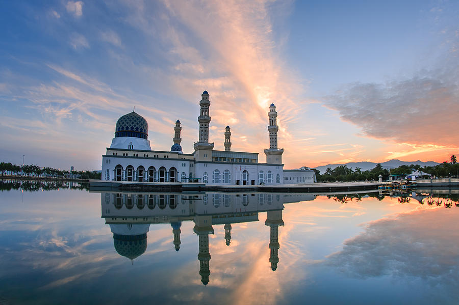 Sabah floating city mosque