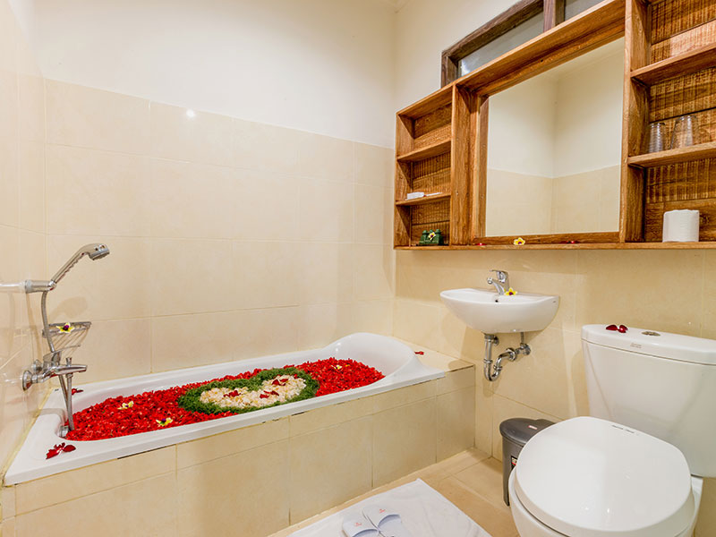 In Room Spa Flower Bath (for Deluxe Room only)