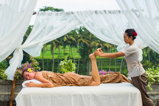 Massage in Om Ham Retreat and Resort