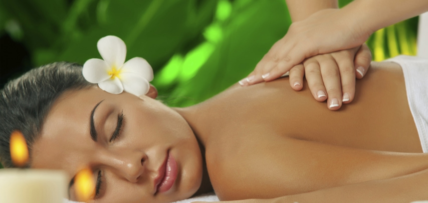 FREE 60-minutes Aromatherapy or Traditional massage ( worth RM 244.00 /pax ) by Solace Spa